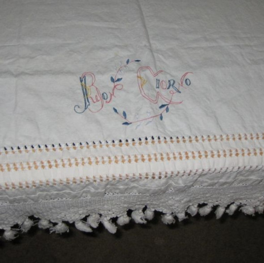 Table runners are narrow tablecloths.