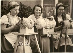 Bobbin lace being made by women in 1936. Photo by Margret Berken.