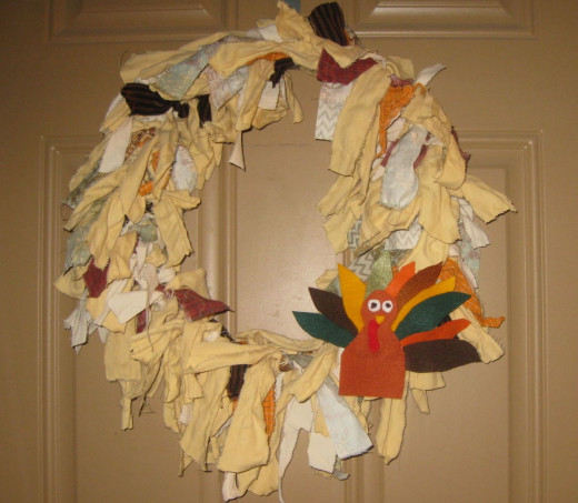 Tom Turkey added to shabby wreath.