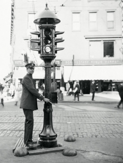 Early manual traffic signal
