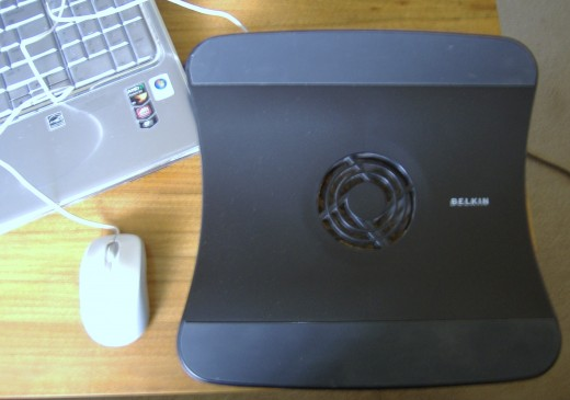 Here's another view of the laptop cooling pad.