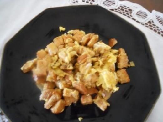 Schmarnn  Eggs, Toast and Onions