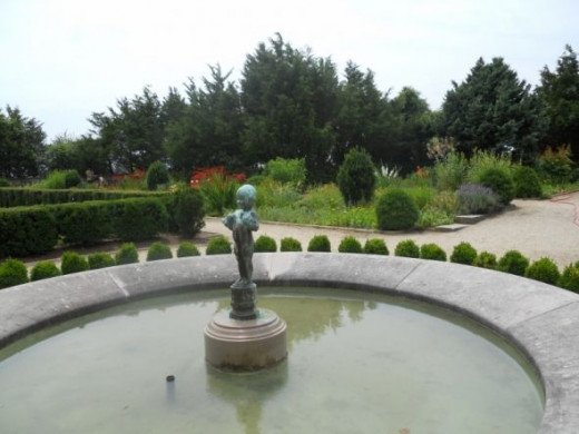 A close up of the fountain in the flower garden (July 2012)