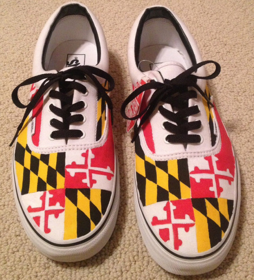 Maryland flag shoes, accessories.