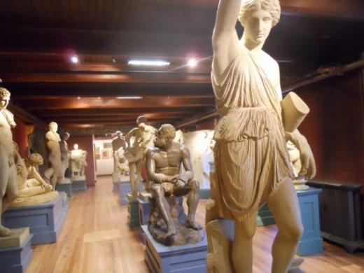 Scultures-Slater-Memorial-Museum