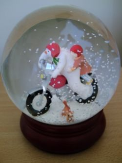 Coalport Snow Globe - Hold on Tight