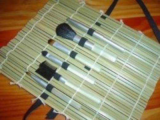 DIY- Makeup Brush Roll Up
