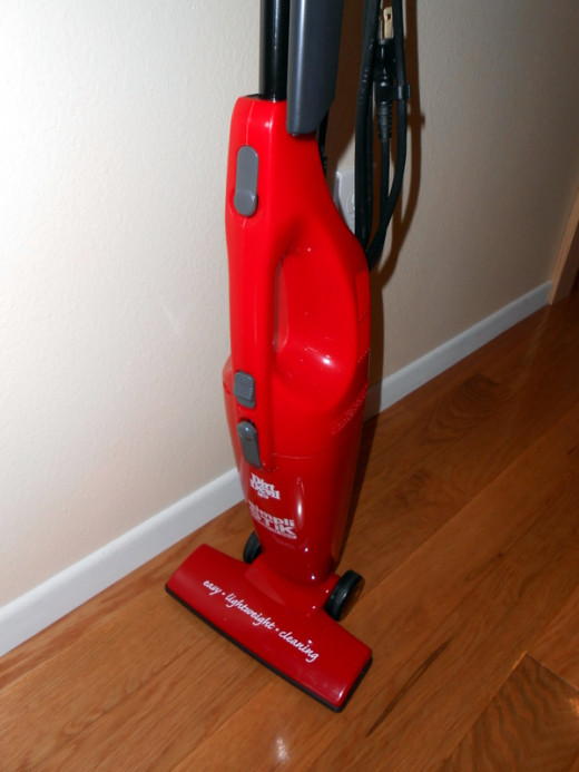 "Close up of the body of the stick vac. (I am taller than the average woman (5'10"") and this vacuum is very comfortable for me to use.)"