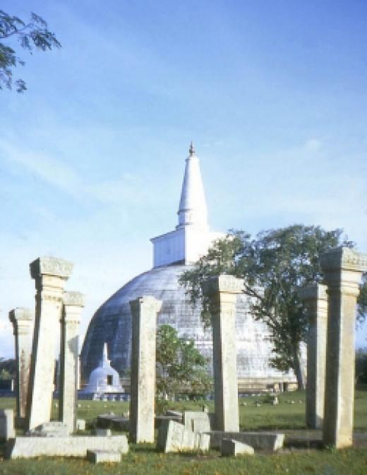 Ruwanweli Dagoba in Anuradhapura