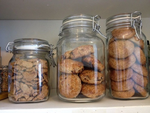 Fido jars make it easy to store wholesome homemade whole grain crackers, cookies and scones so you're always prepared with a treat for your outing