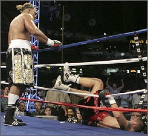 Shannon Briggs was losing on the cards when he scored a come from behind knockout to win the heavyweight crown.