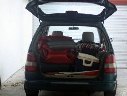 Car-loaded-for-trip