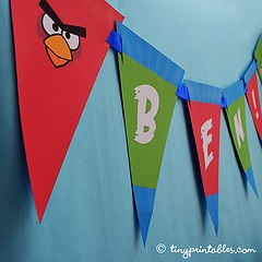 Angry Birds bunting banner by TinyPrintables