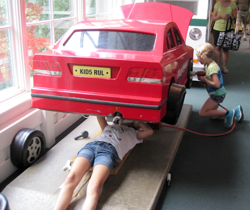 The Girls repair a Car