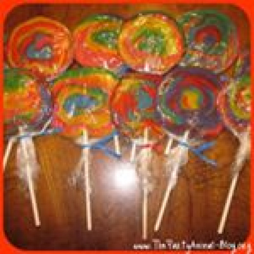 Tie Dye Cookie Pops