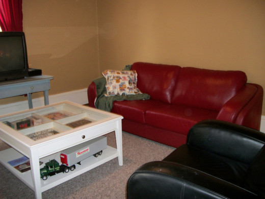 This is how Vicky decorated her Route 66 themed living room.