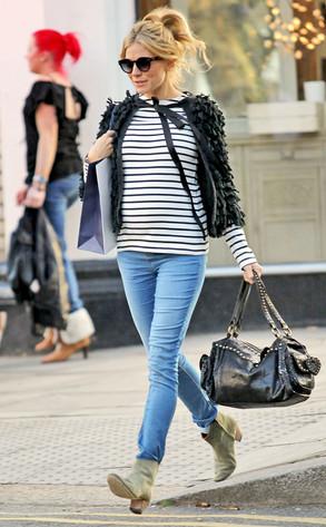 Sienna Miller in mama.licious denim jeggins