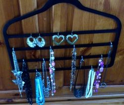 Jewelry Hanger: The final product