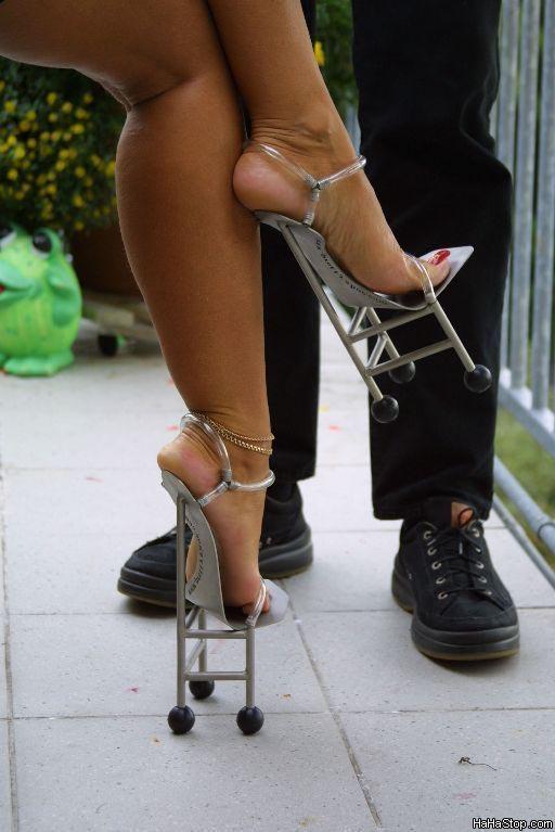 """Oh dear my heel is broken,how shall I get home."