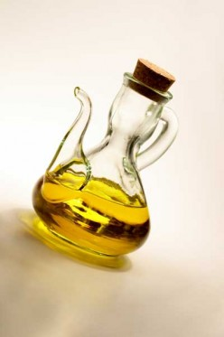 Olive Oil vs. Canola Oil: Fat Profiles