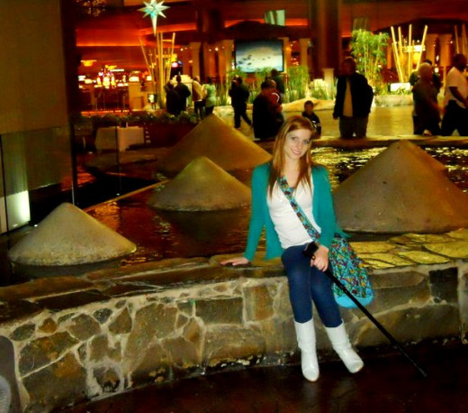 At the Luxor lobby in Vegas before some indoor with a purse meant meant for easy shopping.