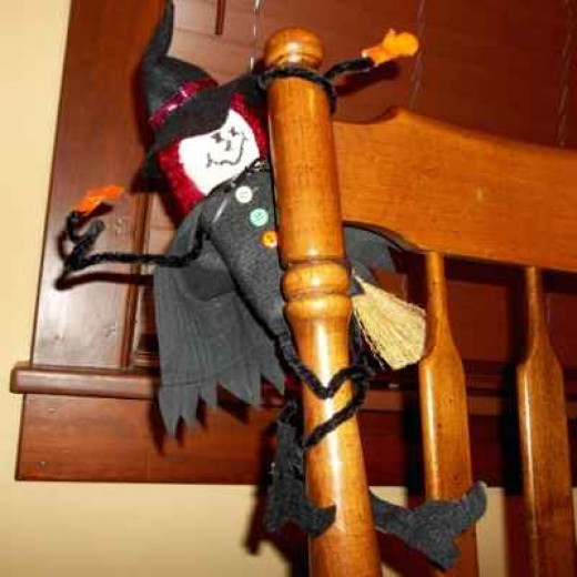 craft-chenille-stem-arms-legs-witch-doll