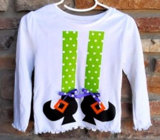 shirt-with-green-legs-black-witches-shoes-applique