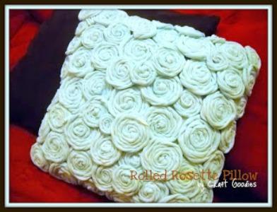 craft-t-shirt-rosettes-on-pillow