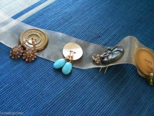 sheer ribbon earring organizer