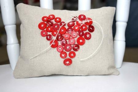 muslin button heart pillow