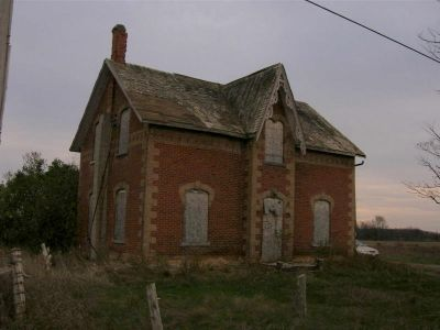Photo taken in 2007. This house is now gone. Burned down by vandals, then demolished.