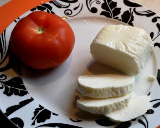 ingredients for halloumi and tomato tower