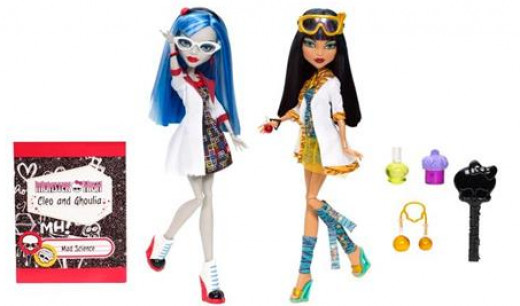 Cleo de Nile and Ghoulia Yelps Lab Partners Mad Science Doll