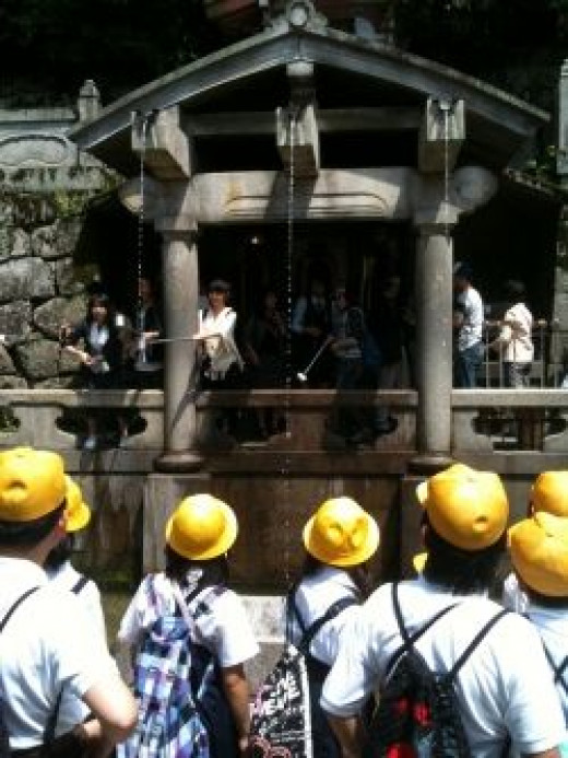 The sacred fountain of the Kiyomizudera Temple in Kyoto