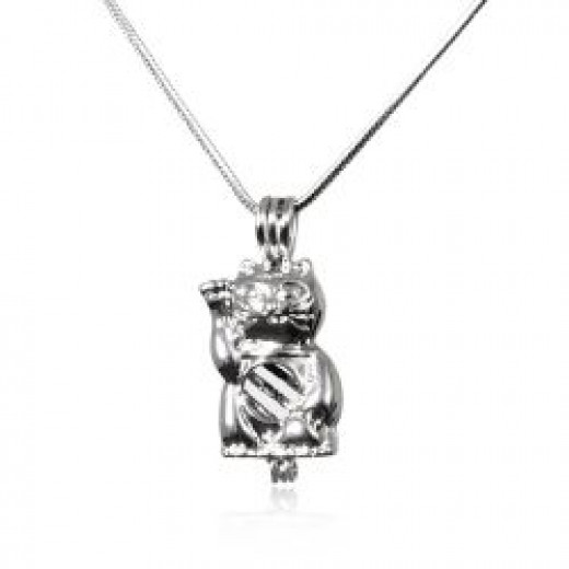 The Lucky Cat Pendant