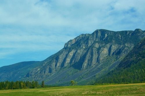 mountain you pass in Northern Idaho just before you get to the border at Nelway, British Columbia, Canada