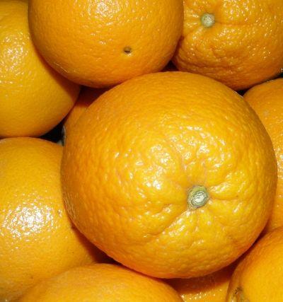 juicicing oranges