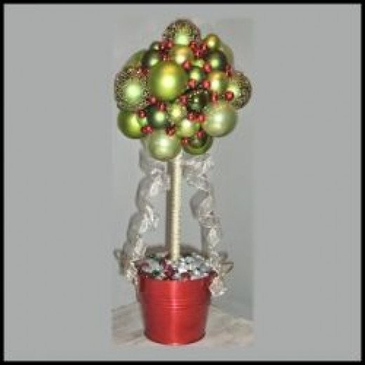 Christmas Centerpieces - Topiary Ball Ornament Tree