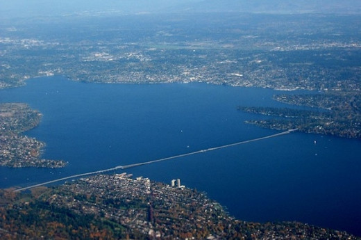 The Evergreen Floating Bridge is the longest floating bridge in the world at 7,580 ft (2,310 m). It connects Seattle to Medina over Lake Washington.