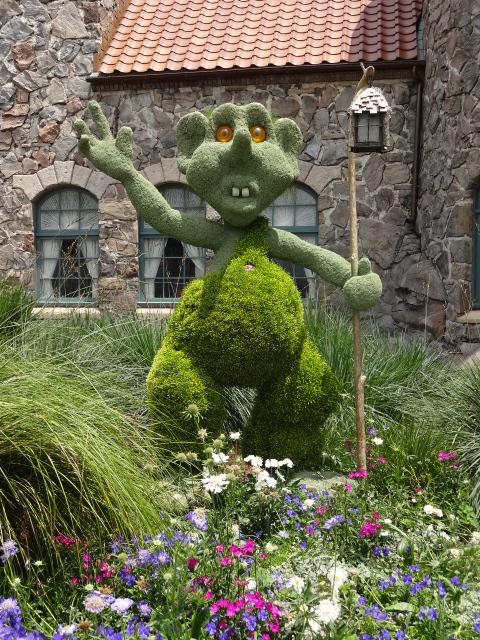 Troll Topiary