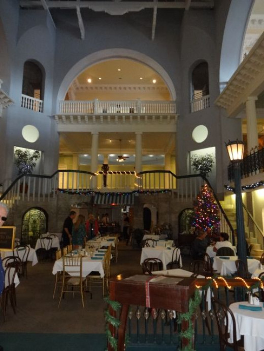 The historic Cafe Alcazar - located in the Lightner Museum, our first course!