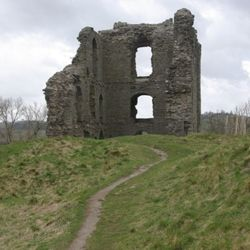 Clun Castle as Kidwelly Castle from the episode Herne's Son.  http://commons.wikimedia.org/wiki/File%3AClun_Castle_-_geograph.org.uk_-_740332.jpg