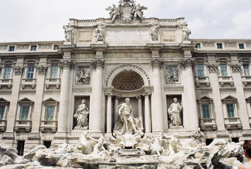 Standing at 85 feet high and 65 feet wide, it is the largest (and most beautiful!) Baroque fountain in the city.