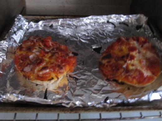mini pizza for dinner