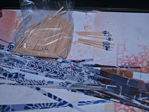 I rolled these the old fashioned way, using mini-dowels instead of the roller tool.  Toothpicks and other small round objects can also be used.