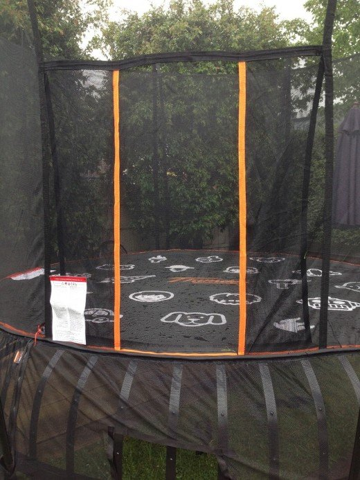 I love the door entry. NO ZIPS - a great safety feature!! Often children forget to do up the zips on other trampolines.