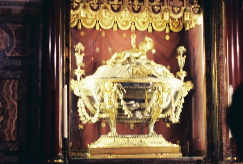 "In St. Mary Major: ""Relic of the Manger,"" said to contain holy relics of Jesus's cradle."