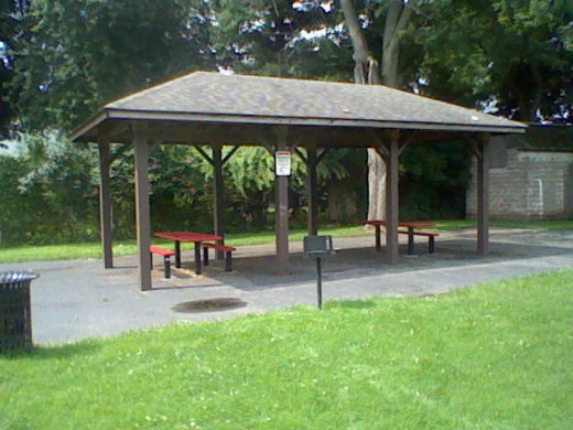 A pavilion to have lunch or even for a small group to use the barbeque.