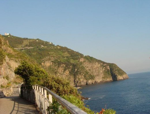 Tthe trail from Manarola to Riomaggiore