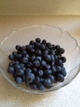 Put the berries in the bowl